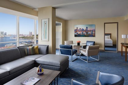 Premier Harbor View Suite  | Premier Harbor View Suite | Hyatt Regency Baltimore Inner Harbor