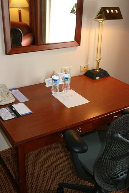 Desk | 1 King 1 Bedroom Suite With Sofabed | Hilton Garden Inn Birmingham/Lakeshore Drive