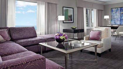 Lounge | Deluxe One Bedroom Suite | Four Seasons Hotel Chicago