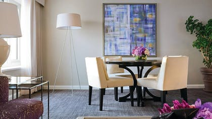 Dining Table | One Bedroom Suite | Four Seasons Hotel Chicago