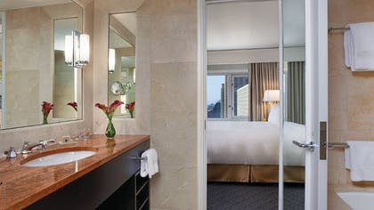 Bathroom | Premier Lake-View Executive Suite | Four Seasons Hotel Chicago