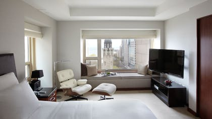 Bedroom | Park Executive Suite + Park Twin | Park Hyatt Chicago