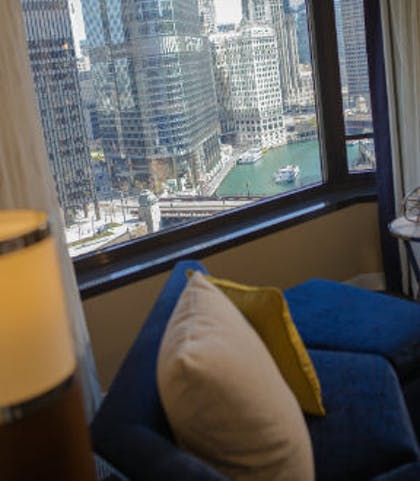 Living Room | One Bedroom Executive Suite | Renaissance Chicago Downtown Hotel