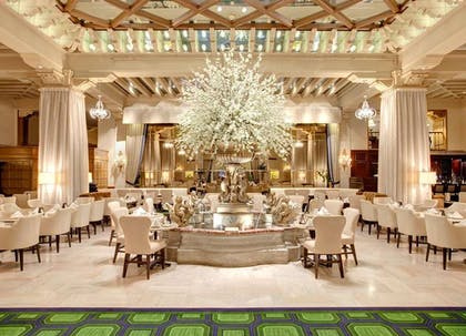 Food and Beverage | The Drake Hotel, A Hilton Hotel