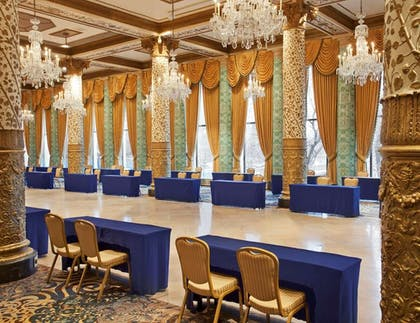 Meeting-Room | The Drake Hotel, A Hilton Hotel