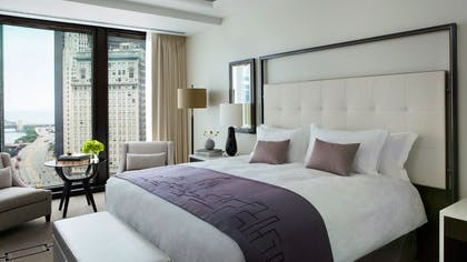 Club King Bedroom | One Bedroom Club Riverview Suite + Executive Club King | The Langham Chicago