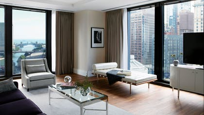 Lounge Area | One Bedroom Riverview Suite + Deluxe Premier Riverview Room | The Langham Chicago