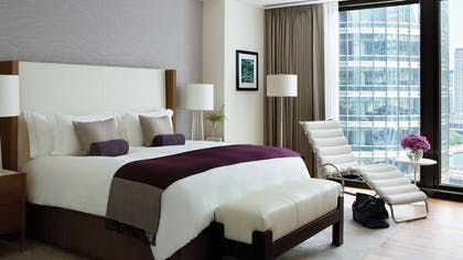 Bed | One Bedroom Suite + Deluxe Premier King | The Langham Chicago