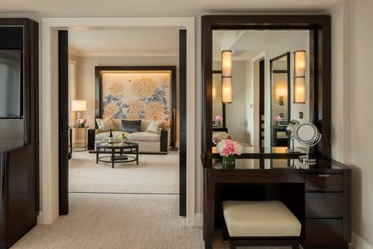 Vanity | Deluxe Suite | 2 Doubles + Grand Premier Double Room | The Peninsula Chicago