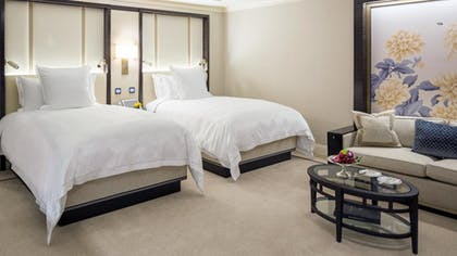 Double Bedroom | Deluxe Suite | King + Grand Premier Double Room | The Peninsula Chicago