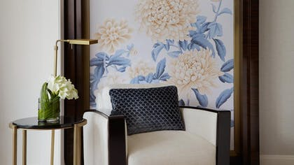 Chair | Executive Suite + Deluxe King | The Peninsula Chicago