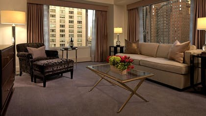 Living Room | Grand Deluxe Suite | The Peninsula Chicago