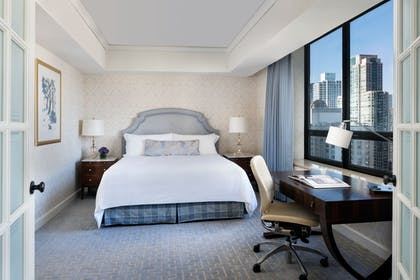 Bedroom | Water Tower Suite | The Ritz-Carlton, Chicago