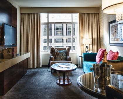 Living Room | Luxury Spa King One Bedroom Suite + Classic Two Queen | theWit Chicago