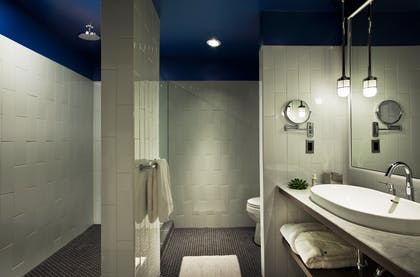 Bathroom | Junior Suite + Corner King Suite | Thompson Chicago