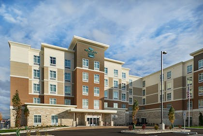 Exterior | Homewood Suites by Hilton Cincinnati-Midtown, OH