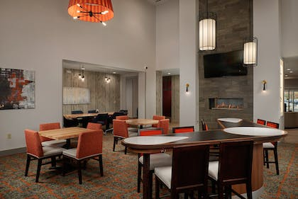 Lodge | Homewood Suites by Hilton Cincinnati-Midtown, OH