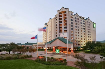 DALEMEsS_0000815903_S.jpg | Embassy Suites by Hilton Dallas DFW Airport North