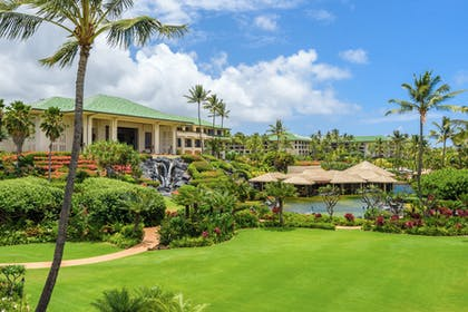 Lawn | Grand Hyatt Kauai Resort & Spa