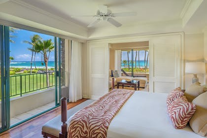 Bedroom | Deluxe Suite + Deluxe Ocean View King | Grand Hyatt Kauai Resort & Spa