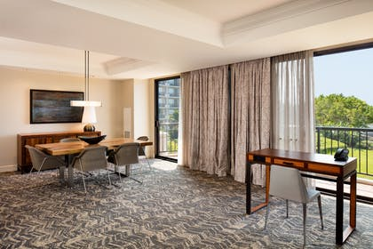 Dining Area | 1 Bedroom Royal Suite 1 King Bed + Palace Tower - Resort View - 2 Queen Beds | Hilton Waikoloa Village