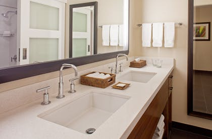 2 Queens Bathroom | Makai Ocean View Suite - 1 Bedroom 2 Doubles + Makai - Ocean Side At Lagoon Tower 2 Queen Beds | Hilton Waikoloa Village