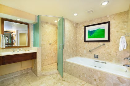 Bathroom-19-2610795882-O.jpg | Makai Ocean View Suite - 1 Bedroom 2 Doubles + Makai - Ocean Side At Lagoon Tower 2 Queen Beds | Hilton Waikoloa Village