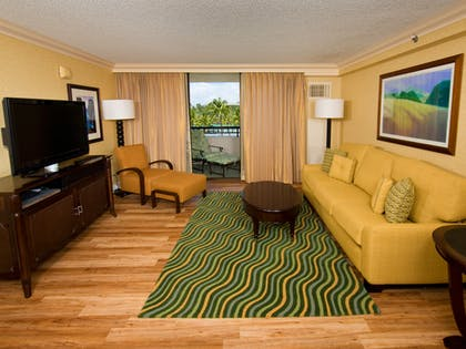 Living Room | Makai Ocean View Suite - 1 Bedroom 2 Doubles + Makai - Ocean Side At Lagoon Tower 2 Queen Beds | Hilton Waikoloa Village