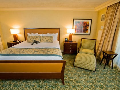 Bedroom | Palace Tower - 1 Bedroom Suite with 1 King Bed - Queen Sofabed | Hilton Waikoloa Village