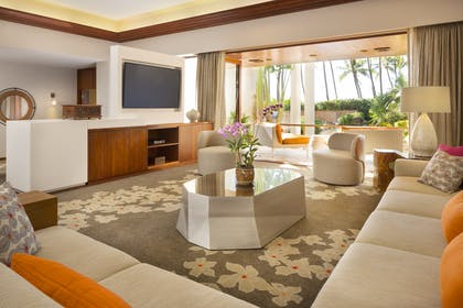 Living area and Outdoor lanai | Palace Suite | Hyatt Regency Maui Resort and Spa