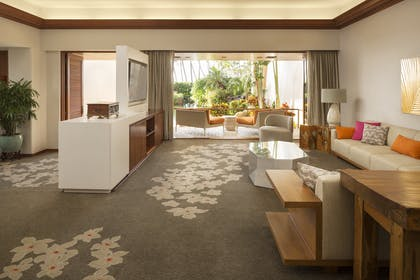 Living area | Palace Suite | Hyatt Regency Maui Resort and Spa