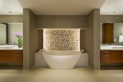 Master bathroom | Presidential Suite | Hyatt Regency Maui Resort and Spa