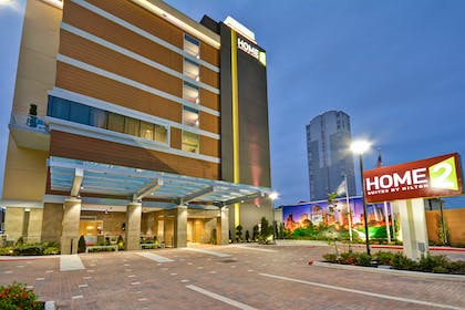 Exterior at Night | Home2 Suites by Hilton Houston Near the Galleria