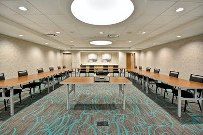 Meeting Room Presentation | Home2 Suites by Hilton Houston Near the Galleria