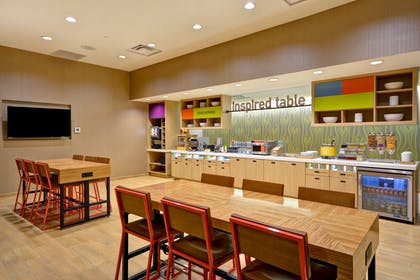 Table | Home2 Suites by Hilton Houston Near the Galleria