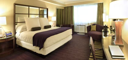 Bedroom | Forum Classic Suite + 1 King | Caesars Palace