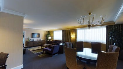Living Area | Forum Classic Suite + 1 King | Caesars Palace