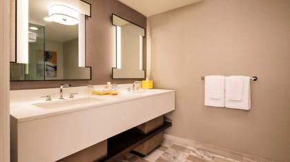 Bathroom | Julius Executive Suite | 2 Queens + 1 King | Caesars Palace