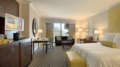 Deluxe Room King | Palace Executive Suite + 1 King | Caesars Palace
