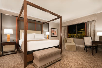 1 King Bedroom | Palace Premium Suite + 2 Queens  | Caesars Palace