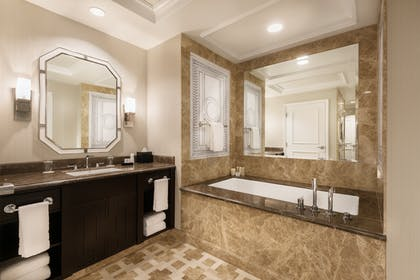 Bathroom | Palace Premium Suite + 2 Queens  | Caesars Palace
