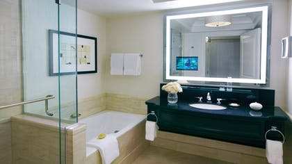 Bathroom | One-Bedroom Suite King + Deluxe King + Deluxe Doubles | Four Seasons Hotel Las Vegas