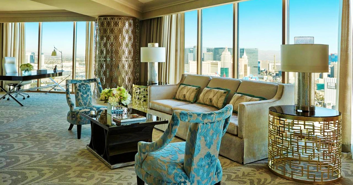Presidential strip view suite superior king at four - Vegas 3 bedroom suites on the strip ...
