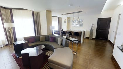 Couch and Bar | Valley Tower Vice Presidential Suite | Harrah's Hotel and Casino Las Vegas