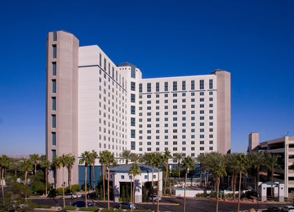HotelLevel_1.jpg | Hilton Grand Vacations on Paradise (Convention Center)