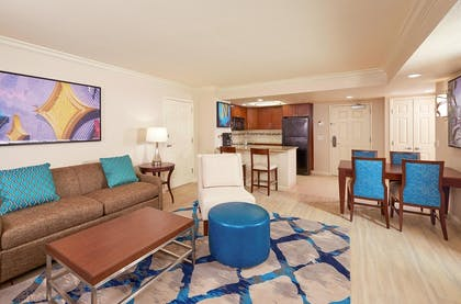 Suite2_img1.jpg | 1 Bedroom King Suite with Queen Sofabed  | Hilton Grand Vacations on Paradise (Convention Center)