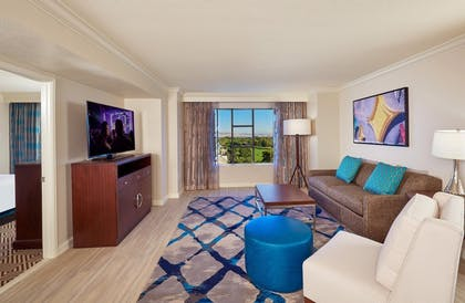suite2_img2.jpg | 1 Bedroom King Suite with Queen Sofabed  | Hilton Grand Vacations on Paradise (Convention Center)