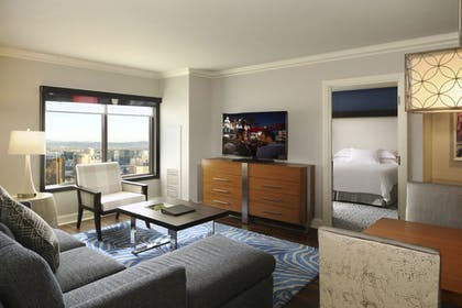 aa.jpg | 2 Bedroom 2 King Suite | Hilton Grand Vacations on the Las Vegas Strip