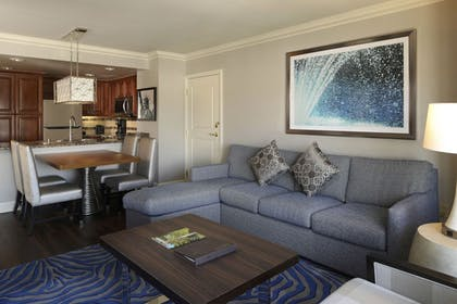 cc.jpg | 2 Bedroom 2 King Suite | Hilton Grand Vacations on the Las Vegas Strip