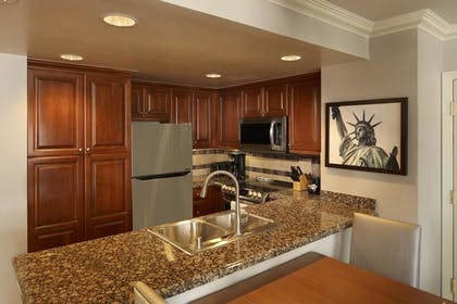 dd.jpg | 2 Bedroom 2 King Suite | Hilton Grand Vacations on the Las Vegas Strip